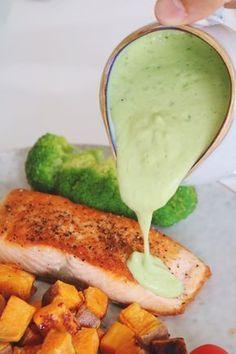 Den perfekta gröna såsen gjord på avokado. Passar jättebra till all sorts kött och fisk.