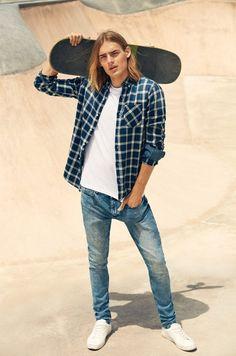 Ton Heukels Stars in Lefties Skate Republic Teenage Boy Fashion, Surfer Guys, Skater Boys, Boys Long Hairstyles, Man Photo, Trends, Cute Guys, Men's Fashion, Male Models