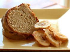 Amazing Bananas Foster Pound Cake for #SundaySupper @runawayspoon