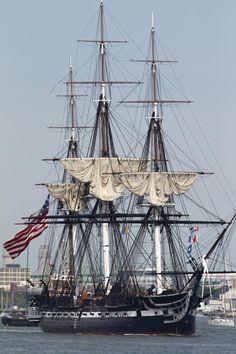 Le USS Constitution dans le port de Boston le 19 Août 2012. L'USS Constitution est le navire de guerre le plus ancien en service de la marine américaine.