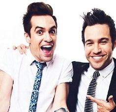 Pete looks like he's just met yet another fan, while Brendon looks like he's just met his idol, and that's what makes this picture so perfect.