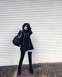 Winter Fashion Outfits, Modest Fashion, Girl Fashion, Girl Hijab, Hijab Outfit, Muslim Girls, Muslim Women, School Looks, Hijab Fashionista