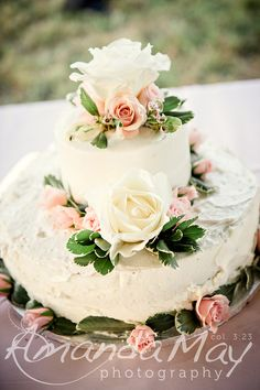 Wedding Cake detail picture by Amanda May Photos at Zavels Farm