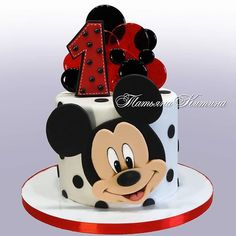 MIckey Mouse Cake Best Picture For red velvet Birthday Cake For Your Taste You are looking for something, and it is going to tell you exactly what you are looking for, and you didn't find that picture Bolo Do Mickey Mouse, Mickey Birthday Cakes, Theme Mickey, Mickey And Minnie Cake, Mickey 1st Birthdays, Fiesta Mickey Mouse, Bolo Minnie, Mickey Cakes, Mickey Mouse Parties