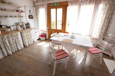 Rózsa apartman - Bacchus _ Badacsony - Lake Balaton - Hugary Bacchus, Apartments, Corner Desk, Bed, Furniture, Home Decor, Lights, Corner Table, Decoration Home