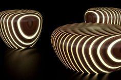 Giancarlo Zema, Avanzini: alternance de lamelles de bois et de résine avec éclairage LED intégré.