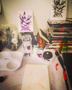 Ink ink ink.#art #artist #artwork #artoftheday #sketch #sketchbook #sketchoftheday #illustration #illustrator #illustrationoftheday #morganndaniels #ny #nyc #newyork #brooklyn #bushwick #draw #drawing #paint #painting #ink #inking #timetoink #pineapple #pineapples #pattern #patterndesign #pineapplepattern #charleston #studio