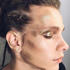 Фотографии на стене Veronika Pearl Earrings, Hoop Earrings, Backstage, Photo Wall, Pearls, Jewelry, Jewellery Making, Pearl Studs, Photograph
