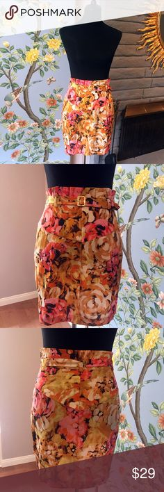 Silk Floral MARCIANO Guess skirt Beautiful silk floral Guess MARCIANO skirt in size 4 with gold-tone skinny belt and zipper pull on the side. MARCIANO is the higher-end line from Guess which uses premium materials. This skirt is pleasing and comfortable to the touch and the high waist and floral pattern helps to hide any mid-section imperfections. It doesn't have a tag but I assure you that it's in pristine condition, never worn! Get this for your upcoming summer vacation! Make me an offer…