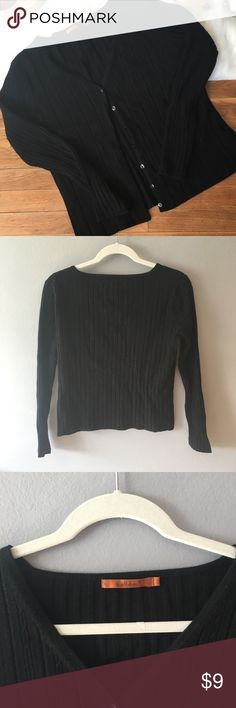 🌸 EUC Belldini 🌸 Girls Button Up Black Sweater In excellent condition. Very very minimal pilling from wash & wear. Only worn a couple times. Warm, soft, stretchy and cute! Girls L or Women's XS. Belldini Shirts & Tops Sweaters