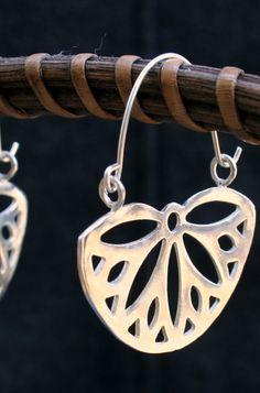 Flor de pendientes de plata aro formado aros flor por DaphnaPorath