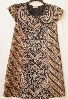 Dress batik lawasan - simple but also cute and elegant Batik Fashion, Ethnic Fashion, African Fashion, Womens Fashion, Blouse Batik, Batik Dress, Mode Batik, Batik Kebaya, Batik Pattern