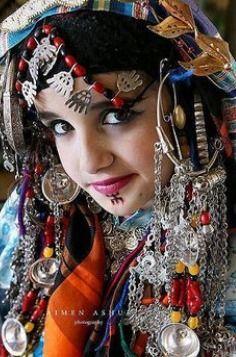 Hazaragi Dress Beauty Around The World Berber Women World Cultures
