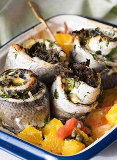 Grilled white fish rolls with herbs - Yrteillä maustetut grillatut siikarullat, resepti – Ruoka.fi