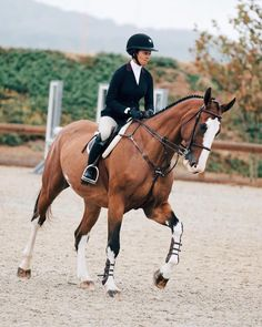 The most important role of equestrian clothing is for security Although horses can be trained they can be unforeseeable when provoked. Riders are susceptible while riding and handling horses, espec… Equestrian Boots, Equestrian Outfits, Equestrian Style, Equestrian Fashion, Horse Fashion, Riding Hats, Horse Riding, Riding Helmets, Riding Clothes