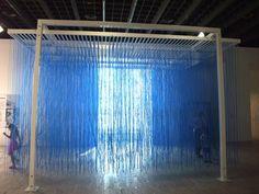 Pénétrable BBL Bleu (1999), Jesus Rafael Soto.  ''Dynamo'' au Grand Palais. Vu le 15 juillet 2013.