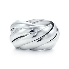 Paloma's Calife ring in sterling silver.