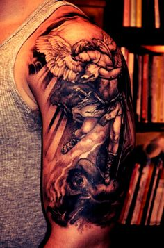 Sleeve Tattoo Designs for Men - Beste Tattoo Ideen Half Sleeve Tattoos For Guys, Best Sleeve Tattoos, Tattoo Sleeve Designs, Tattoo Designs Men, Bras Forts, Skull Tattoos, Animal Tattoos, Wing Tattoos, Badass Tattoos