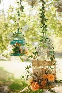 Romantic hanging birdcage decorations.