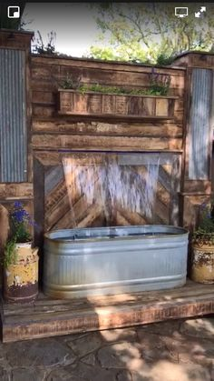 LOVE this water feature for by our back patio 👌🏻😍 Backyard Projects, Outdoor Projects, Backyard Patio, Backyard Landscaping, Pallet Projects, Desert Backyard, Sloped Backyard, Backyard Ideas, Outdoor Spaces