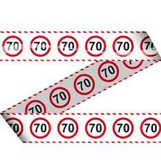 Een markeerlint versiert met verkeersborden voor de 70ste verjaardag! Het is ongeveer 15 meter lang.