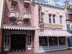 have a sundae at gibson girl ice cream parlour