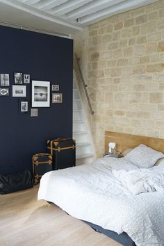 Which Type of Vacation Stay Is Right for You? {Paris Apartment Rental via Air BnB} #theeverygirl