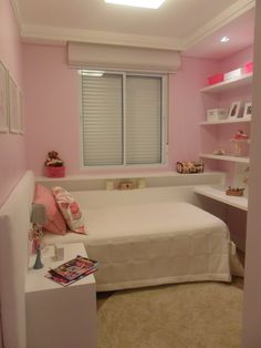 Girl Bedroom Decor Ideas Ideas For Decorating a Girls Bedroom Girl Bedroom Decor Ideas. Girls usually like their bedrooms to be fun and cute. While furnishing and decorating a girls room you must t… Small Room Bedroom, Girls Bedroom, Girl Room, Bedroom Decor, Bedroom Ideas For Small Rooms For Girls, Bed Room, Girl Bedroom Designs, Dream Rooms, Interior Design Living Room