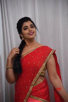 Indian Bollywood Actress, Beautiful Bollywood Actress, Indian Actresses, Actress Without Makeup, Snake Girl, Indian Actress Gallery, Beautiful Girl Indian, Indian Beauty Saree, Latest Pics