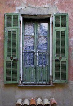 Green Shutters, Provence, Rita Crane Photography