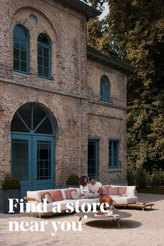 Manutti // Our partners are looking forward to working with you to create a unique outdoor experience - Flex Collection - Torsa Collection #outdoorfurniture #outdoorluxury Outdoor Sofa Sets, Outdoor Furniture, Outdoor Decor, Modular Sofa, Luxury Living, Sofa Design, Teak, Patio, Mansions