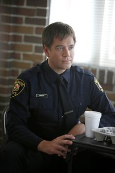 """""""Once A Crook"""" Season 11 Episode 5  DiNozzo (Michael Weatherly) returns to his Baltimore Police Department days when he sees a felony suspect from a 15-year-old case at the NCIS crime scene of a murdered Petty Officer, on NCIS Tuesday, Oct. 22 (8:00-9:00 PM, ET/PT) on the CBS Television Network. Photo: Cliff Lipson/CBS ©2013 CBS Broadcasting, Inc. All Rights Reserved."""