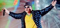 Bono y Larry condenados en Brasil: tienen que pagar una millonada a un promotor de conciertos. En 1998, U2 estaba de gira mundial por Brasil con Popmart, y en Brasil afirmaron públicamente que el p…