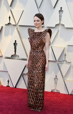 79e892835f The Louis Vuitton dress Emma Stone wore to the 2019 Oscars took 712 hours  to make.