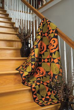 Boo quilt by Kathy Schmitz.  in the Fall 2015 issue of Primitive Quilts and Projects.