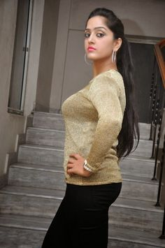 New Mallu Masala Actress Divya Singh in Tight Tshirt and Leggings Dress