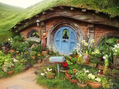 acorns-and-tea: I visited Hobbiton today! Best day EVER! =)