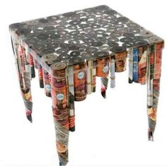 Muebles antiguos: Ideas para reutilizarlos - Mesa baja con revistas recicladas