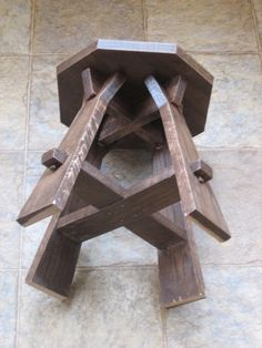 Tabouret Foot Stool Furniture Projects, Wood Furniture, Wood Projects, Furniture Design, Diy Table, Wood Table, Mission Table, Mission Furniture, Small Stool