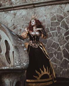 Fantasy Queen, Foto Fantasy, Fantasy Princess, Sword Photography, Fantasy Photography, Im A Princess, Princess Zelda, Legend Stories, Scary Tales
