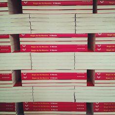 I libri de 'Il libraio', amato da chi ama i libri, nel posto dove nascono i libri. Ci sembra tutto in tema #giornatamondialedellibro