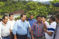 El Gobernador del Cauca, Óscar Campo (centro), en uno de los recorridos para conocer los proyectos que le pueden cambiar la cara al departamento, como el Parque Tecnológico del Café/ Fotografía: Suministrada.