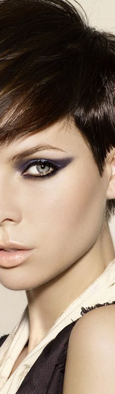 23 Cute Short Hairstyles With Bangs: #19. Asymmetrical pixie with long bangs