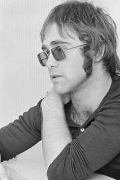 A young (and handsome) Elton John
