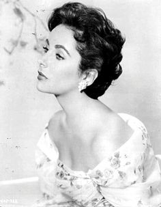 Image Result For Elizabeth Taylor Hairstyles Elizabeth Taylor Short Hair Styles Elizabeth