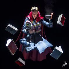 Strange reading. jf Dr Strange Marvel, Doc Strange, Strange Tales, Strange Art, Marvel Dc Comics, Marvel Heroes, Marvel Avengers, Sherlock Bbc, Benedict Cumberbatch