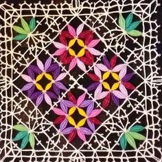 Bobbin Lace Patterns, Lace Heart, Lace Jewelry, Lace Making, Lace Flowers, Lace Detail, Tatting, Doilies, Textiles
