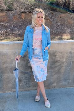 Read more on how to style our best-selling Anya Midi Skirt 4 ways! #mudpiegift #midiskirt #sliceofpie Midi Skirt Outfit, Skirt Outfits, Mud Pie Gifts, Beach Tunic, Women's Summer Fashion, Leggings Fashion, Overall Shorts, Day Dresses, Party Dress