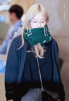 Taeyeon 190428 Incheon Airport from Japan Girl's Generation, Girls' Generation Taeyeon, Jeonju, Instyle Magazine, Cosmopolitan Magazine, Kim Tae Yeon, Kim Woo Bin, Bae Suzy, Sooyoung