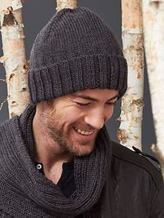 e8e4230119d73 This classic hat and scarf set is the perfect gift for your your favorite  guy and makes a great project for beginner knitters! (Yarnspirations)
